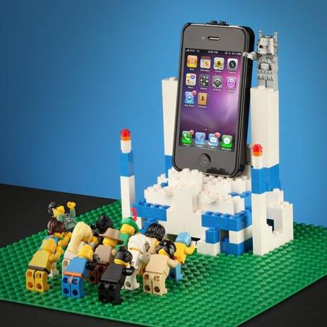 iPhone и LEGO