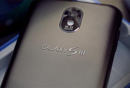 Samsung Galaxy S III фото
