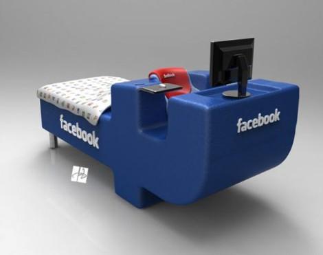 Фейсбук-кровать
