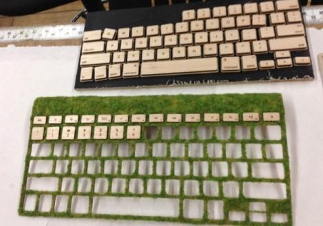 Клавиатура из дерева и мха
