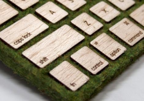 Клавиатура изо мха