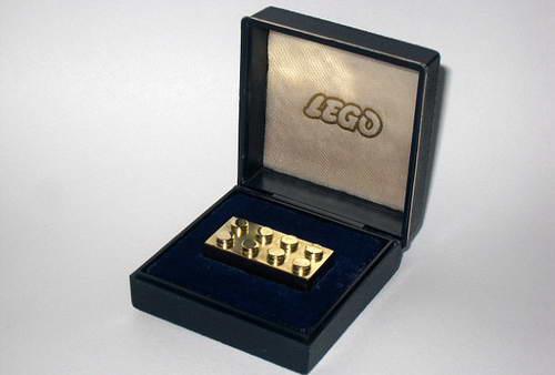 LEGO из золота