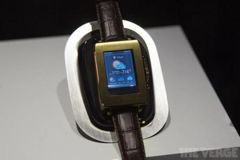 Toshiba smartwatch