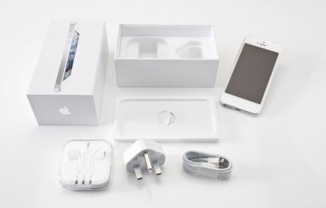 Анбоксинг iPhone 5