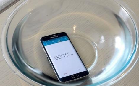 Samsung Galaxy S6 Edge в воде