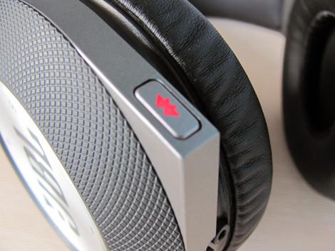 JBL Synchros E50BT кнопки