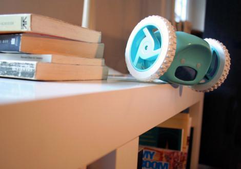 clocky-robotic-wheeled-alarm-clock-6