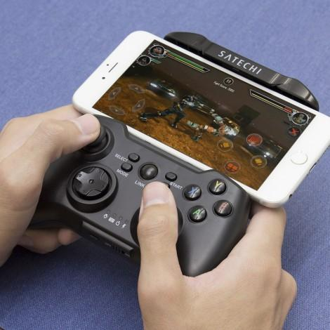 Satechi Wireless Gamepad 1
