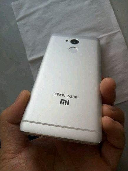 Xiaomi Redmi 4 и Xiaomi Redmi Note 4 4