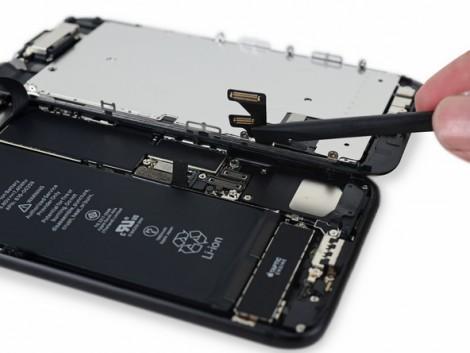 iFixit iPhone 7 4
