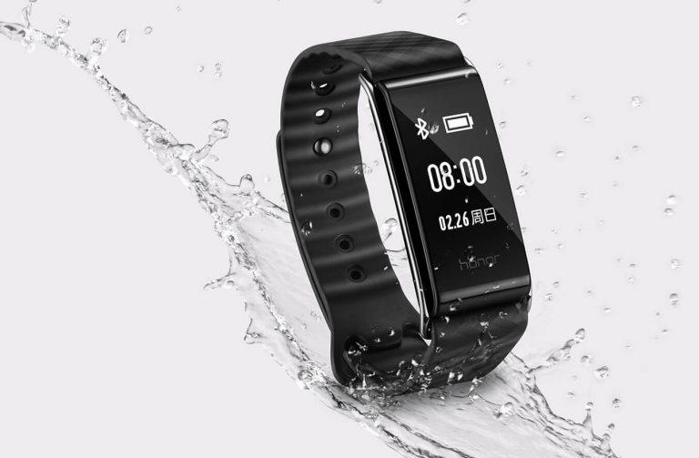 honor-band-a2-ip67-water-resistant-768x503
